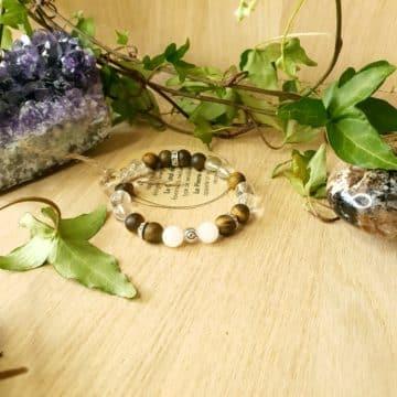 bracelet en pierres de Cristal de Roche, Oeil de Tigre et Pierre de Lune.